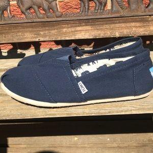 Toms shoes,EUC